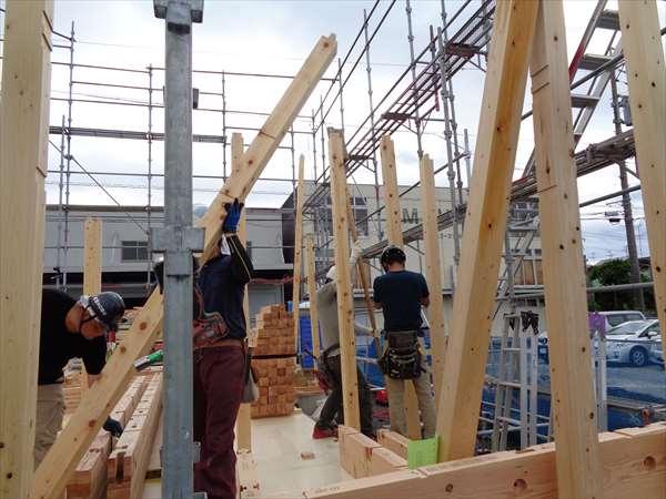 柱の建込み