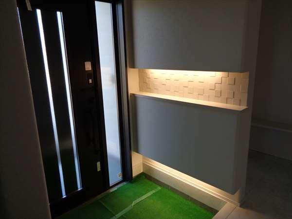 玄関ホ-ル間接照明