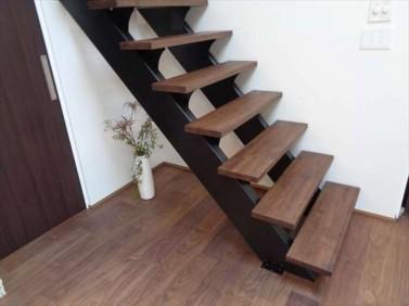 オ-プン階段
