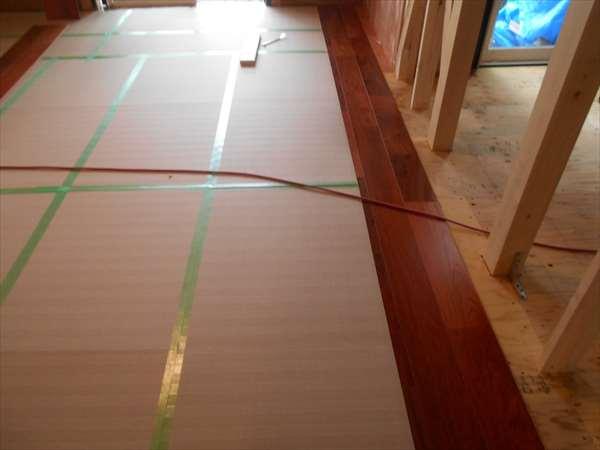 カリンの床