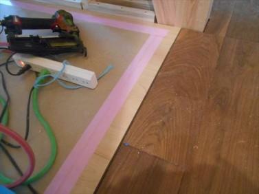 床見切り材
