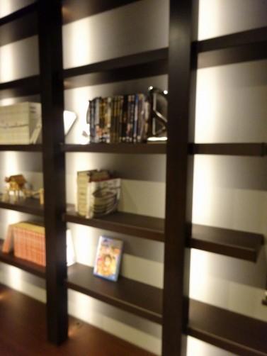 本棚 間接照明