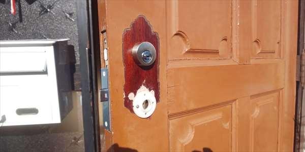 玄関ドア補修