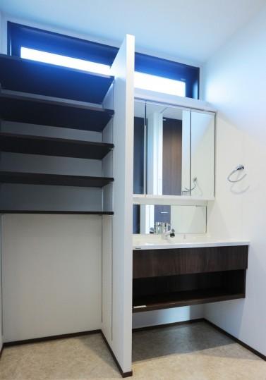 洗面室収納1