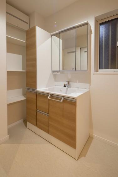 洗面室収納3