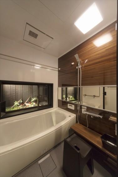 F様邸浴室坪庭