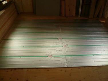 床暖房パネルの施工